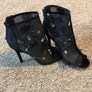Black floral mesh high heels! QUPID